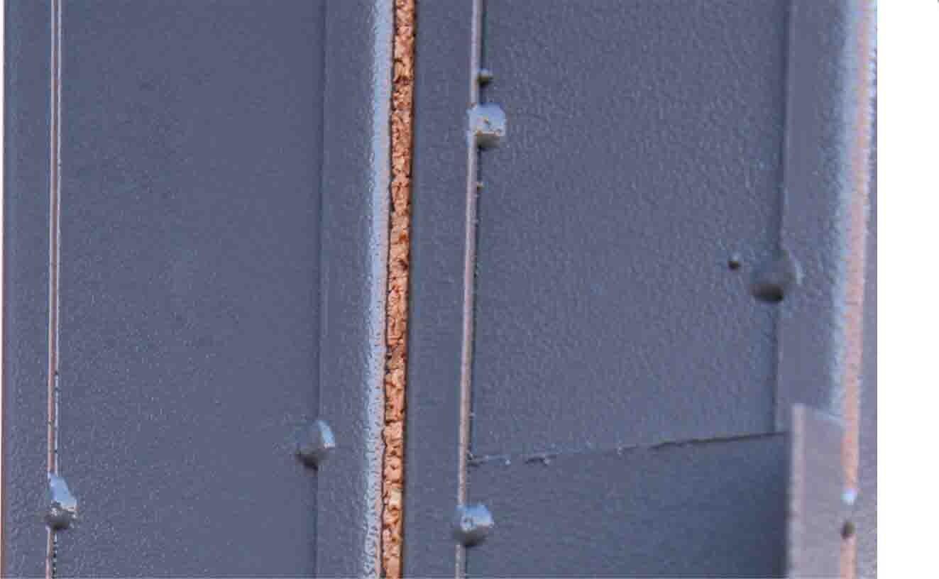 терморозрив на коробі вхідних дверей